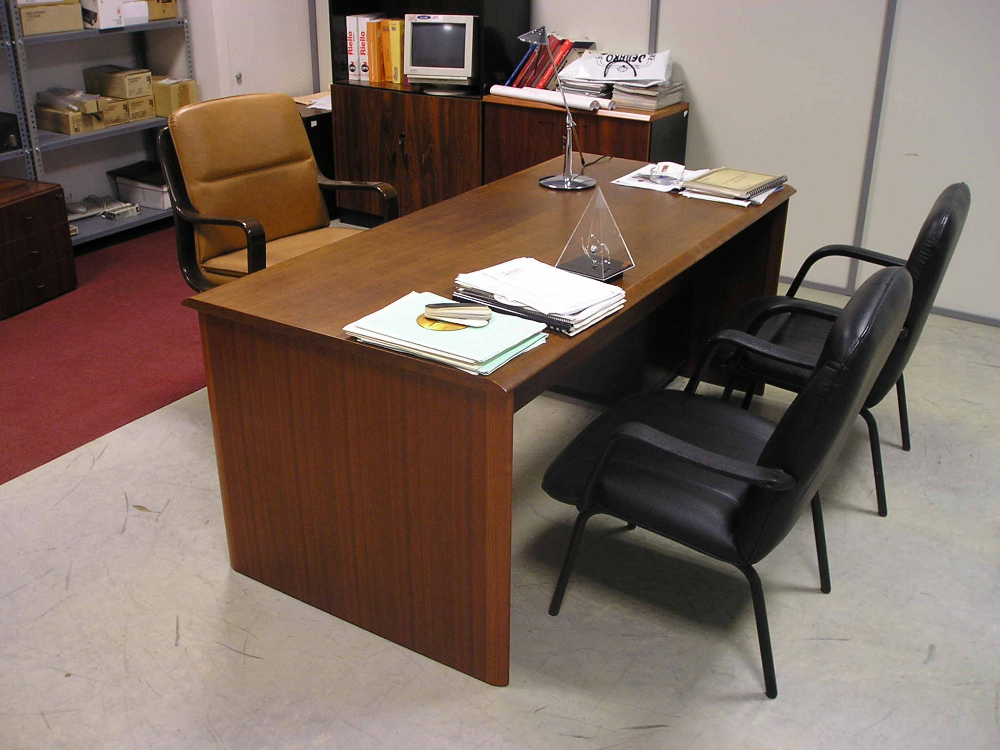 Valoración y Recogica de Muebles de Oficina