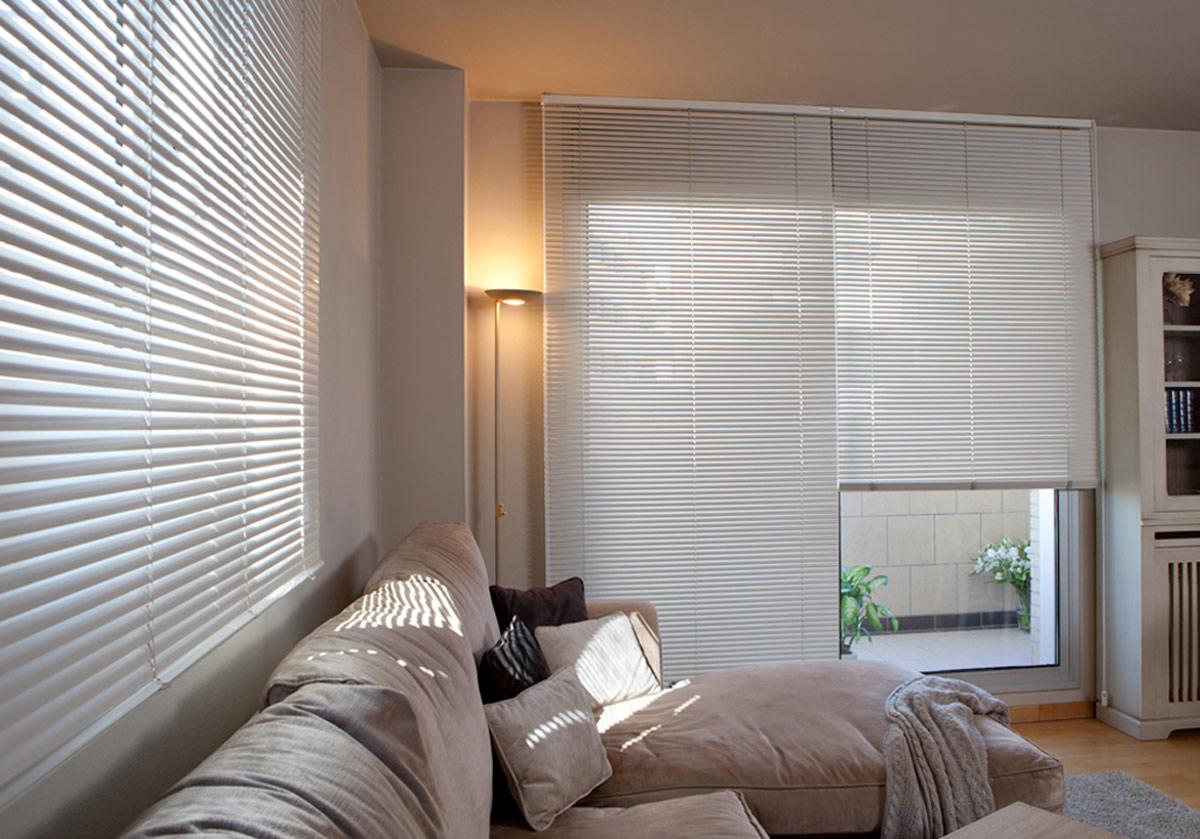 Cortinas en polyscreen a precio de tela grumar trading for Precio de cortinas